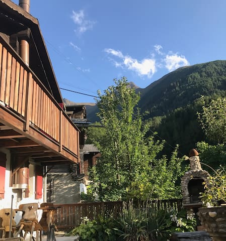 "Charming Chalet ""Bijou"" in the Aletsch region"
