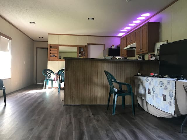 Comfortable home near Baton Rouge, weekly/monthly