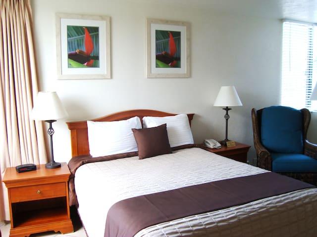 Golden Strand-Efficien Kitchenett B - Sunny Isles Beach - Apartment