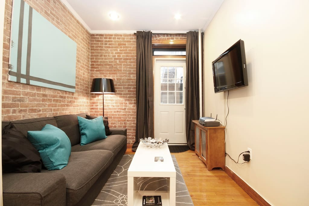 The livingroom has HD TV and a comfortable couch bed. An additional air mattress supplied upon request. Free WiFi is also included.