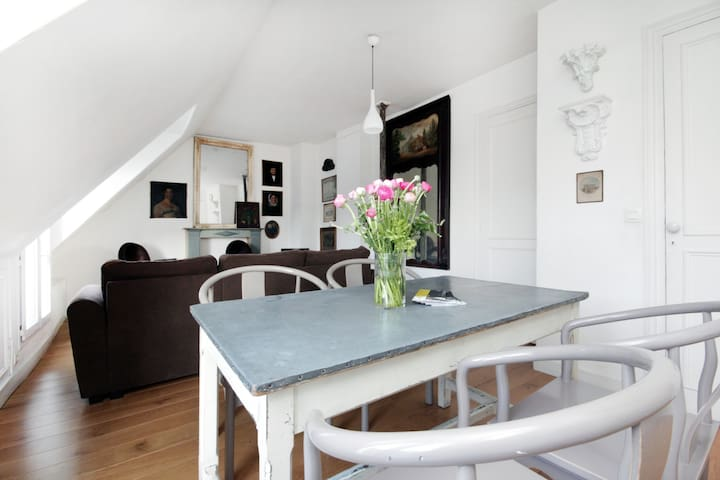 Short Tem Rental Paris Apartment - Views 360°