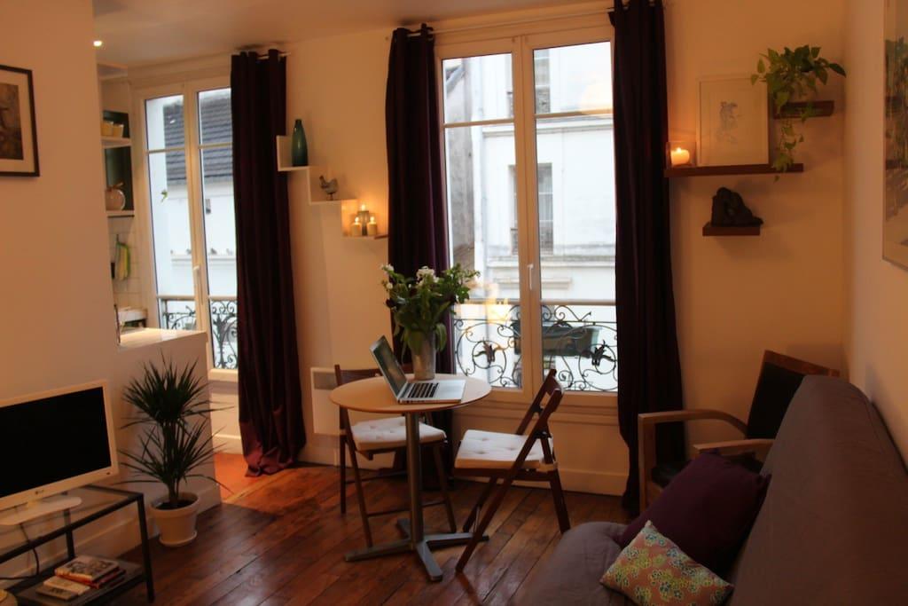 charming studio quartier latin apartments for rent in paris le de france france. Black Bedroom Furniture Sets. Home Design Ideas