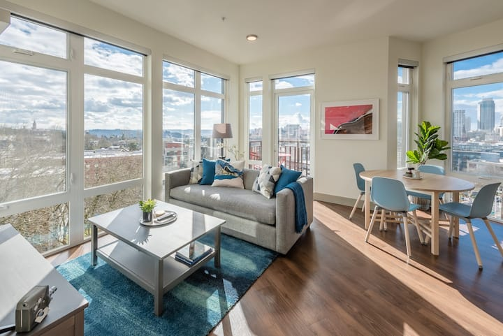 Capitol Hill 2-Bedroom Penthouse :: Broadcast