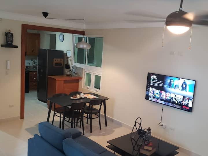 Luxury - two bedroom with AC, Netflix, freeWIFI