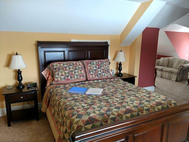 Beehive Suite - The Saltair Inn Waterfront Bed & Breakfast