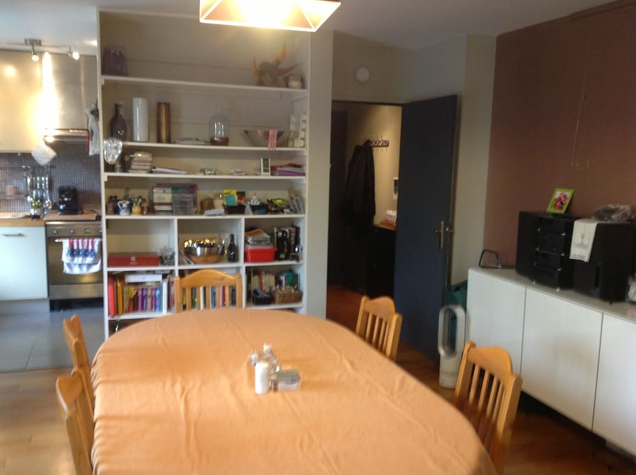 Dining room - bookshelves now changed to cupboards - new photos soon