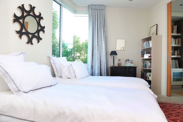 Guest Room Close To City - Auckland - Bed & Breakfast