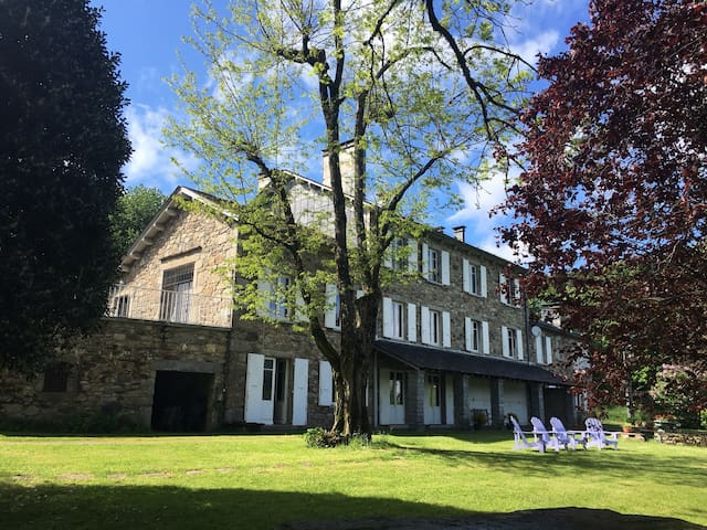 Belle maison de vacances.9 chambres - La Salvetat sur Agoût - Haus