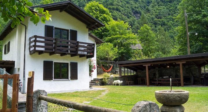 Epis house, Valle Verzasca, Brione, Locarno