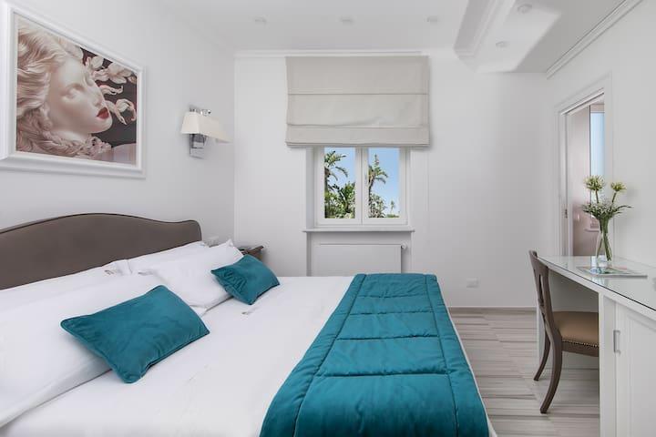 Vittoria Colonna Luxury Guest House Zaffiro Room