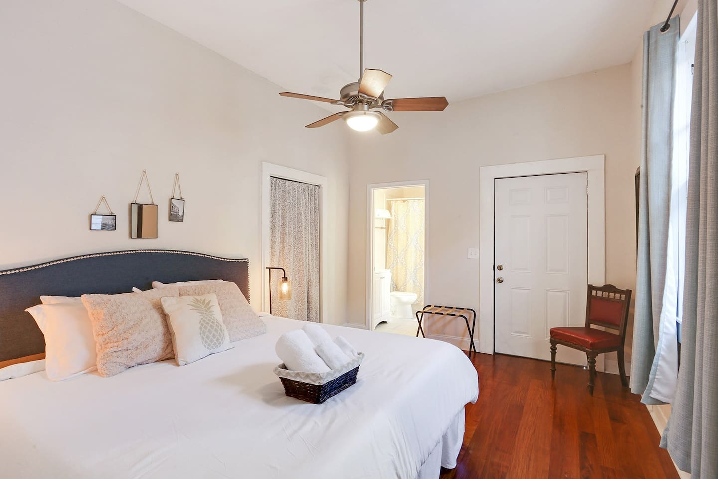 Bright By The Bayou Houses For Rent In New Orleans Louisiana  # Meuble Armoire Et Bahiou En Bois