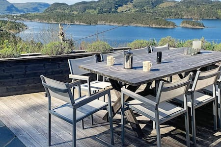 7 person holiday home in Jelsa