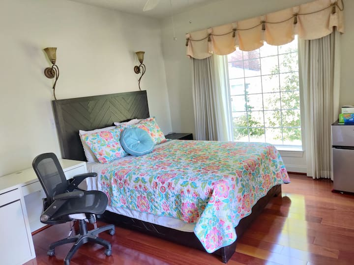Private Elegant Room close to FDA and beltway