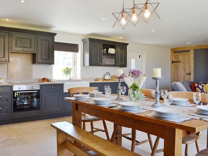 Willow Cottage (UK2419)
