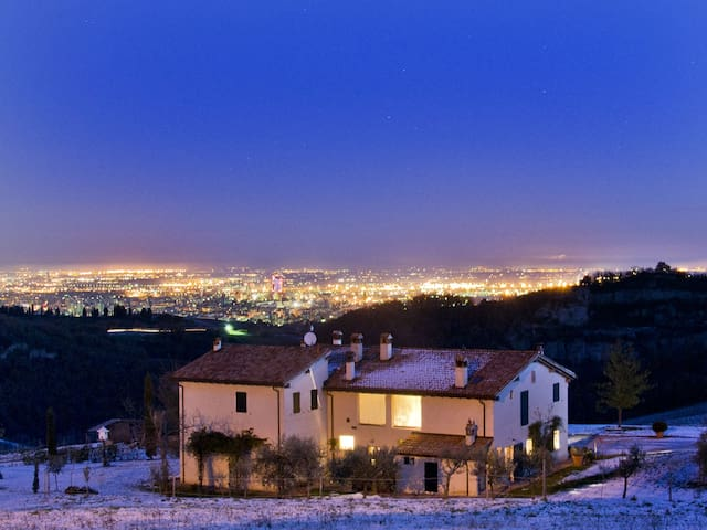 Apartment for holiday in Bologna - Montecalvo - Apartamento