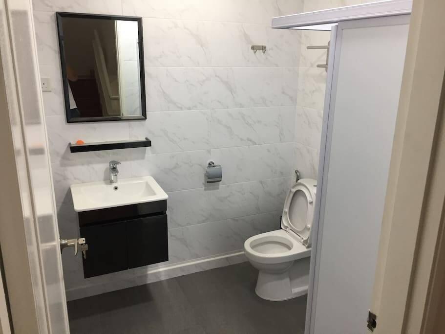Bedroom C3-Toilet (2nd Floor)