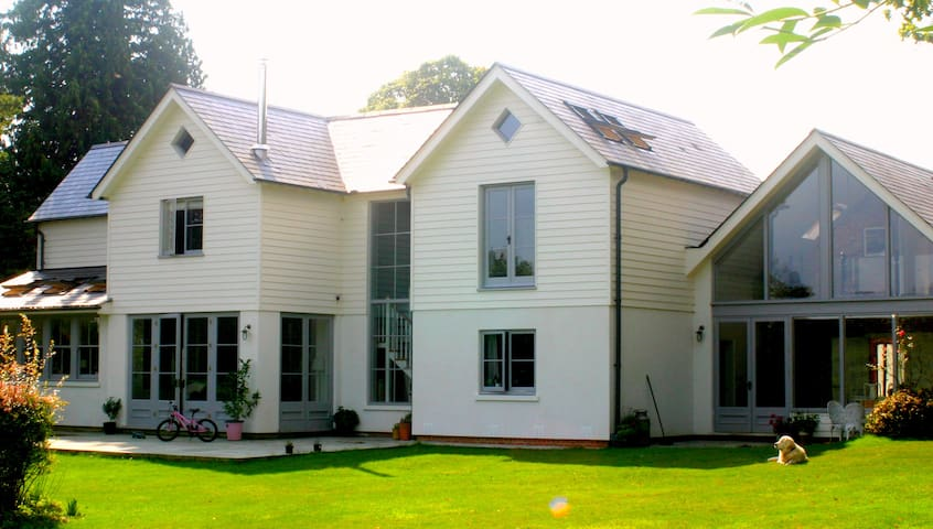 Beautiful Self Contained Annex - Henley on Thames