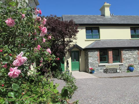 Courtyard cottage overlooking lakes, Killarney