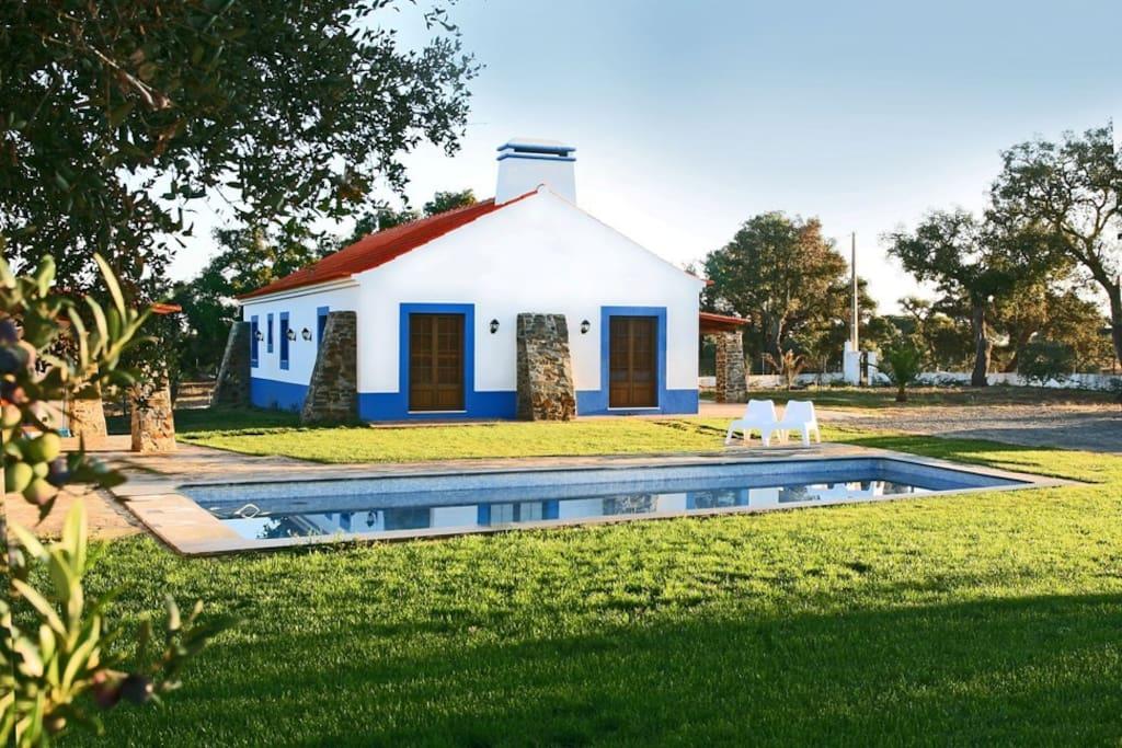 Monte azul eco tourism villas for rent in santiago do - Casas del monte casa rural ...