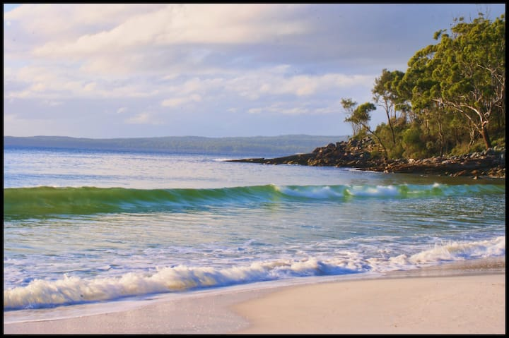 BEACH PARADISE heart of Jervis Bay!