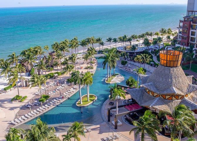 New Years Luxury Resort Getaway in Cancun