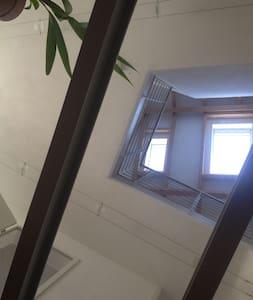Ein Dachgeschoß als Basis - Griesheim - Talo