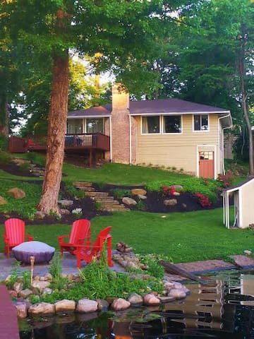 Comfort Cottage -on the Lake - Akron - Casa