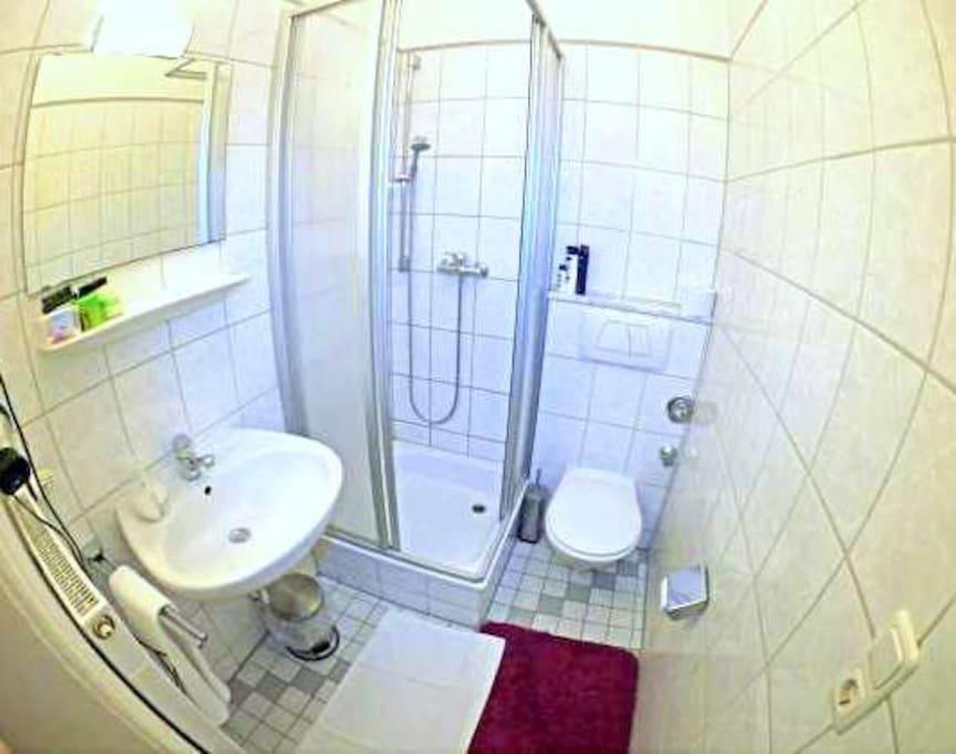 shower & WC 2