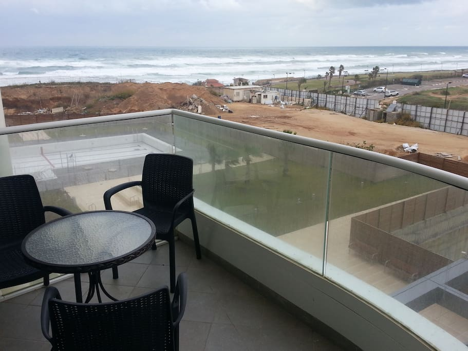 A balcony with sea view