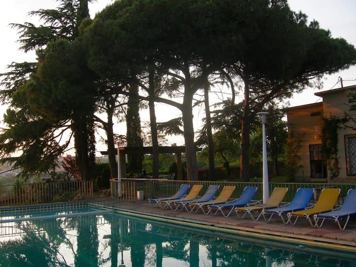 Villa with pool 6 km from the beach