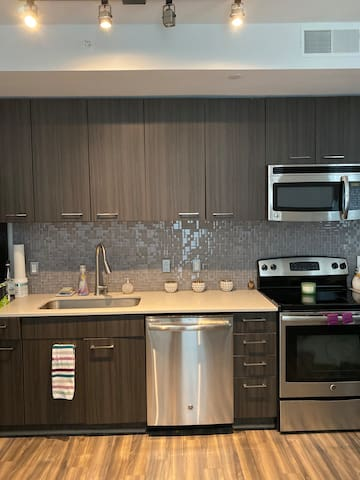 Studio apartment in prime Arlington location