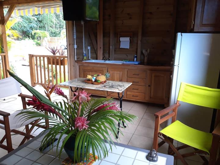 Dans le calme tropical le bungalow Mélanie