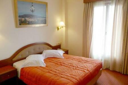 Lovely Room in the center of Delphi