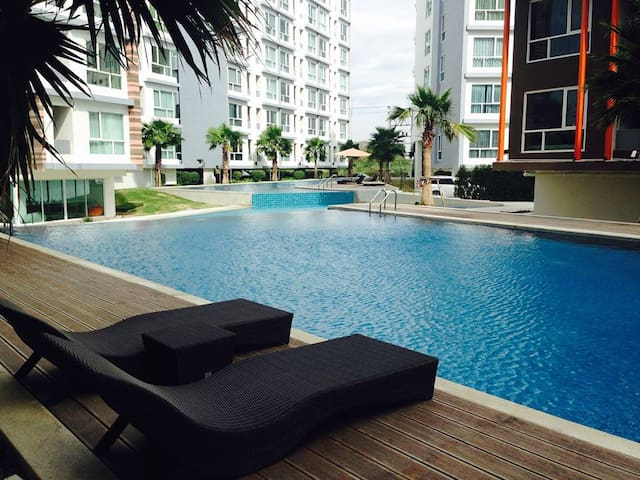 The Idol Condominium Bangsaen Chonburi - Muang - Lägenhet
