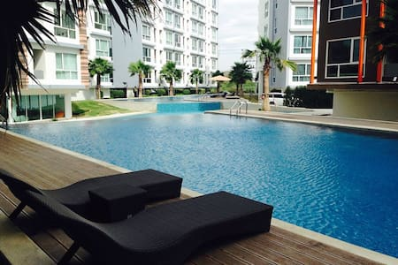 The Idol Condominium Bangsaen Chonburi - Muang - Apartmen