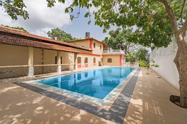 Luxurious 4-bedroom villa, near Baga Beach/73969