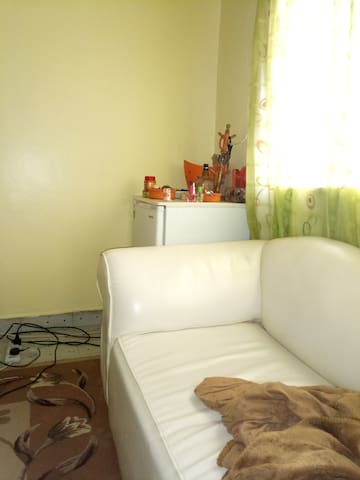 Cozy living space off Mbagathi road.