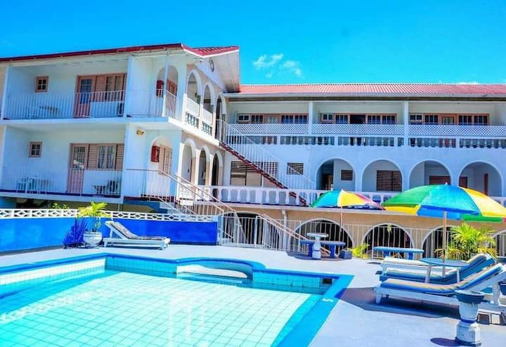 Marine view / 1 double bed with a/c and tv