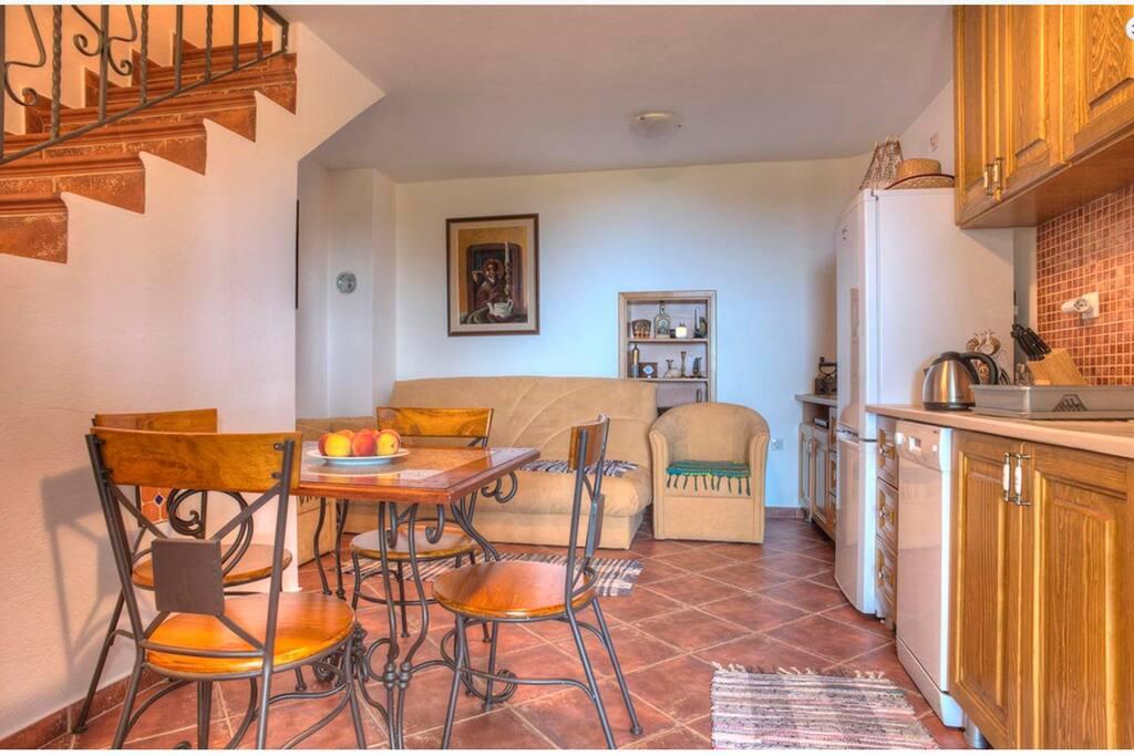 Duplex - Family room suite