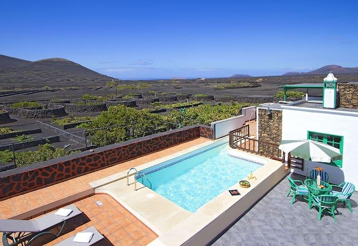 Casa Diama 2, para 2 con piscina