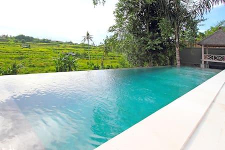 Villa Le jardin de Bali (Chambre 3) - Blahbatu - Penzion (B&B)