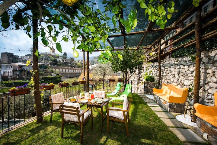 Villa Laura, amazing breakfast included - Montepertuso - Apartamento