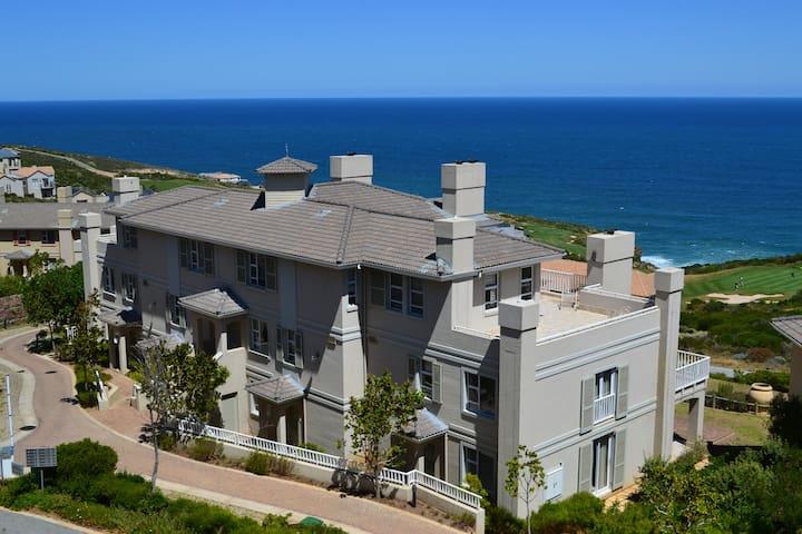 Pinnacle Point Golf Estate-Villa 8.2-GSSA