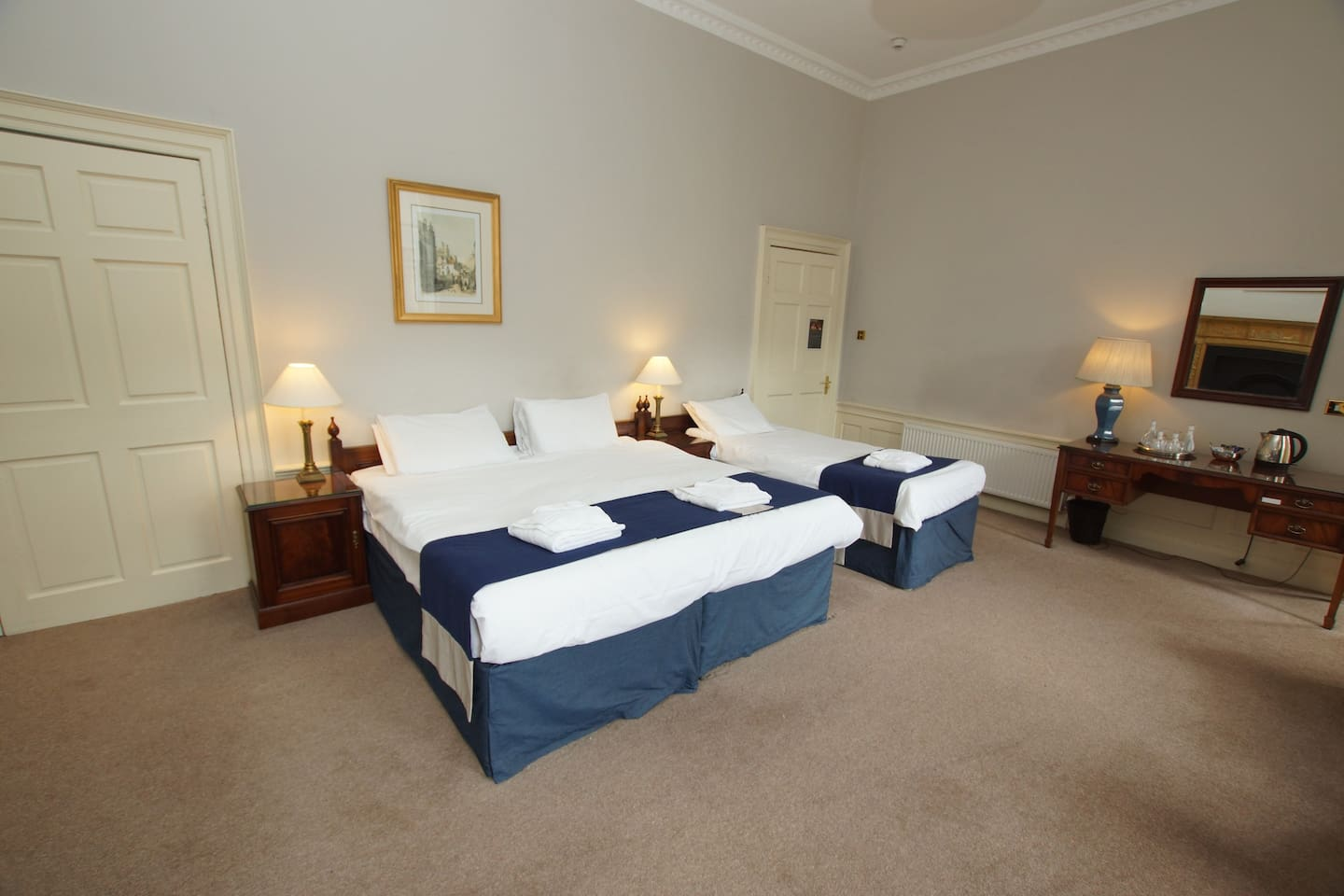 Triple room with Double king size bed and one single