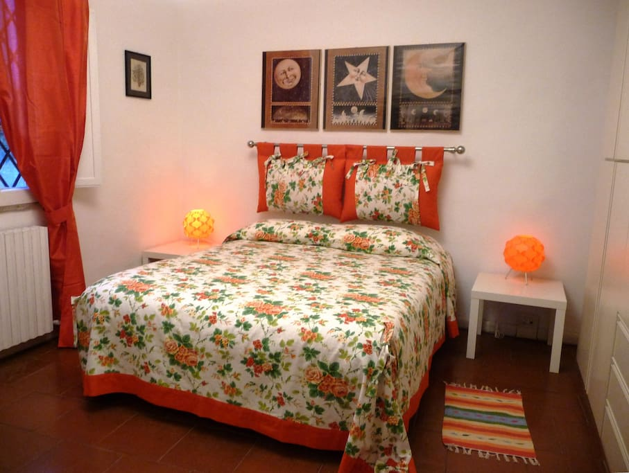 Camera da letto al tramonto