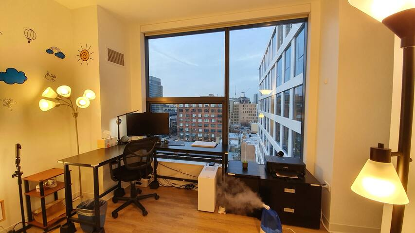 Convenient luxury bedroom near Downtown and UIC