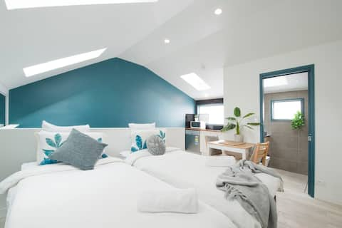 Darlington : Private loft style apartment!