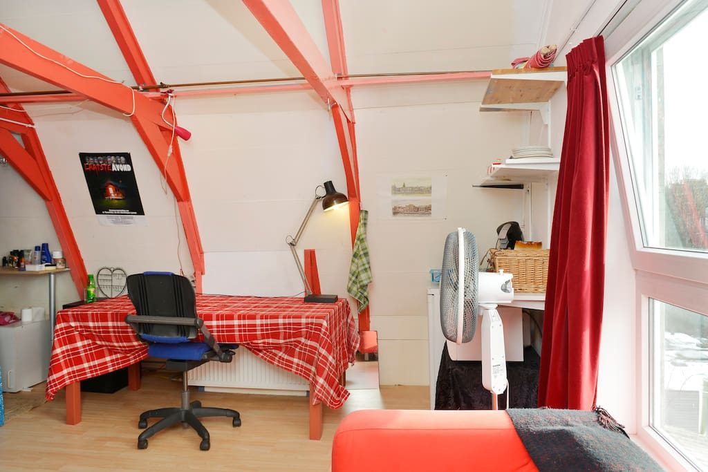 Nice Family Attic Room Near Centre Lofts For Rent In
