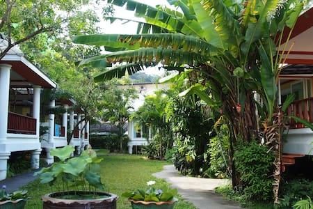 Lemon House, villa in peaceful area - Kathu - Villa