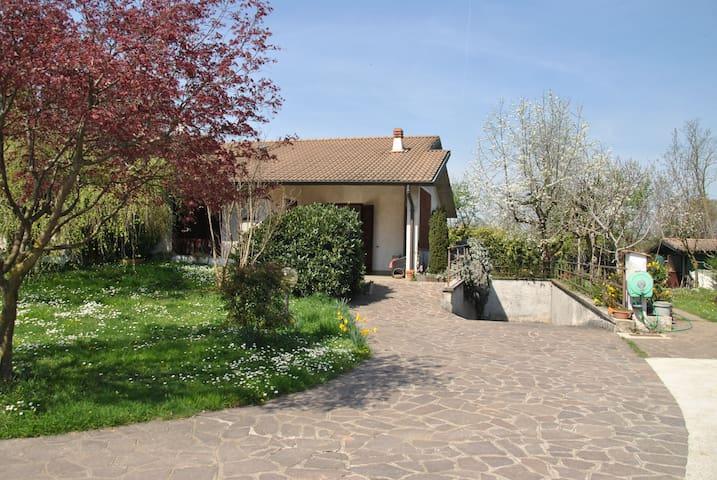 Villa in campagna - Countryside comfort villa - Cavenago di Brianza - Casa de camp